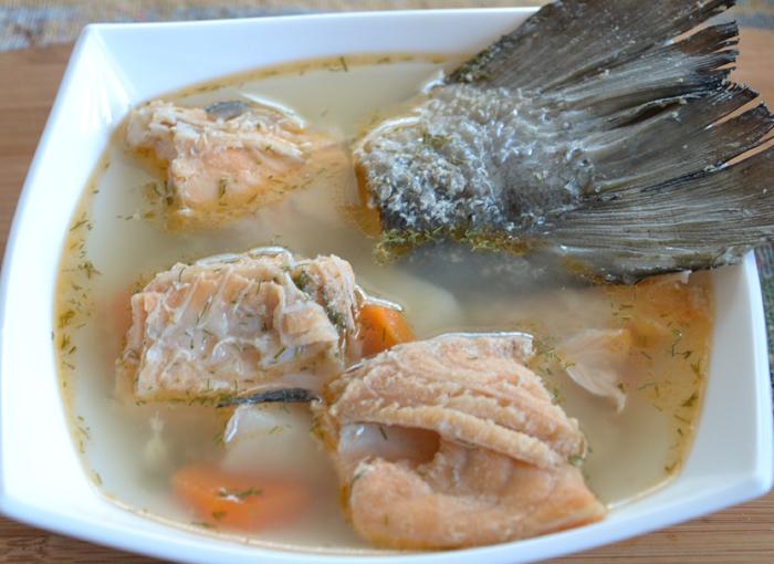 Рыбный суп из сёмги и форели в мультиварке