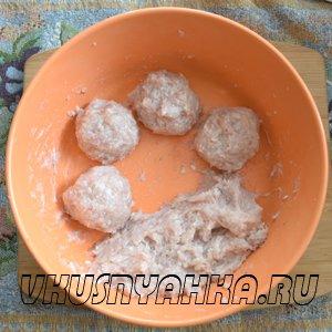 Куриные тефтели с картофелем в мультиварке, приготовление, шаг 2