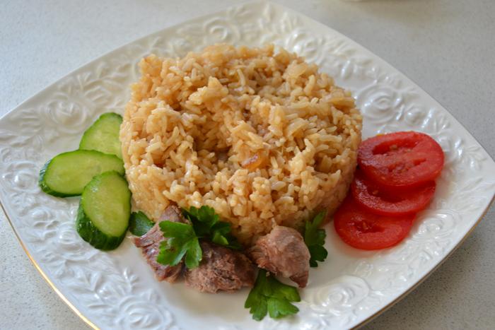 Рис с луком в мультиварке