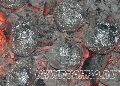 Картофель с салом в углях, приготовление, шаг 5