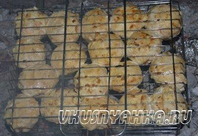 Шампиньоны в майонезе запеченные на углях, приготовление, шаг 4